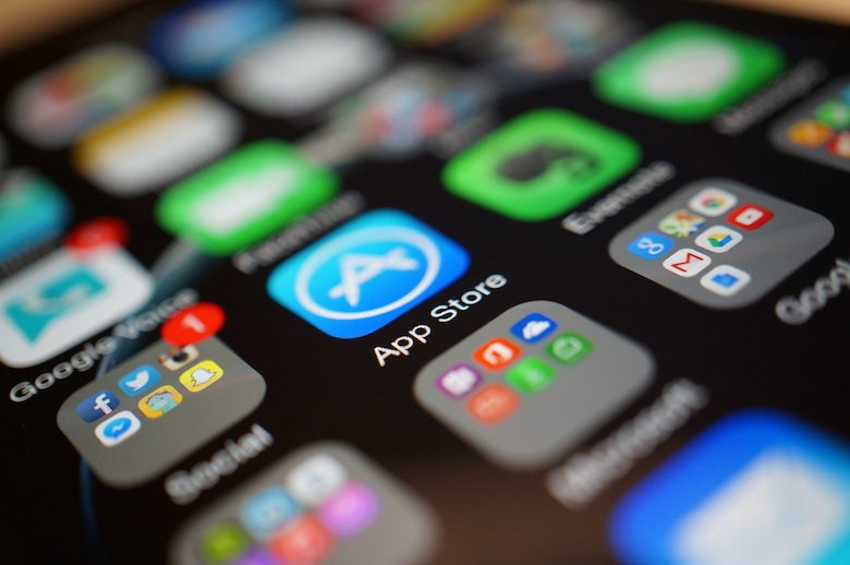 How to install older version of apps on the iPhone & iPad